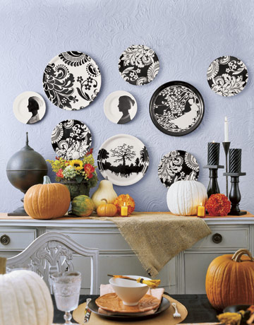 Black-White-Plates-Wall
