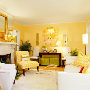 cheery-yellow-living-room