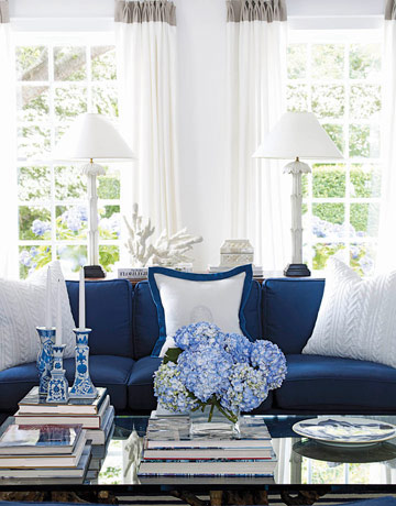 Color inspiration navy blue white - Pictures of blue and white living rooms ...