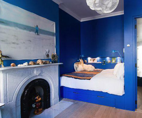 On my mind electric blue for Electric blue bedroom ideas