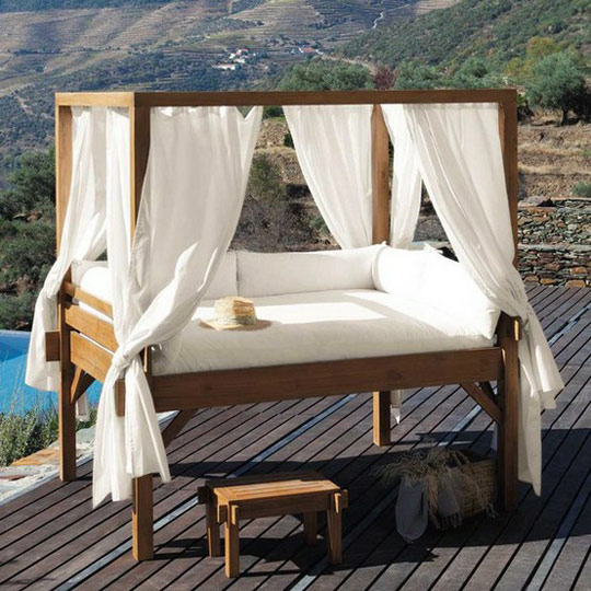 Make Your Bedroom A Romantic Haven Part 3: Canopy Beds
